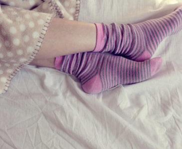 Dormir con los calcetines mojados es bueno para tu salud