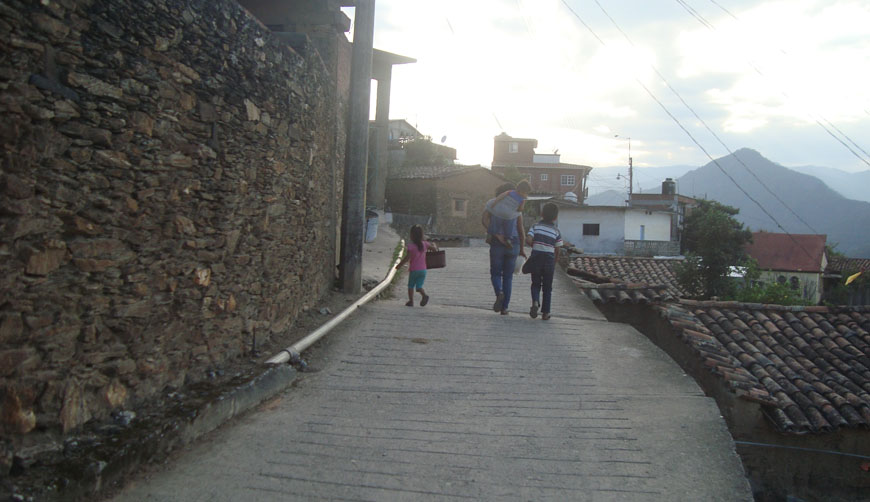 Luchan para sobrevivir en Yalálag