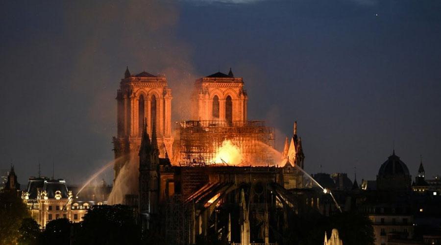 Aumentan ventas de libro de El Jorobado de Notre Dame tras incendio | El Imparcial de Oaxaca