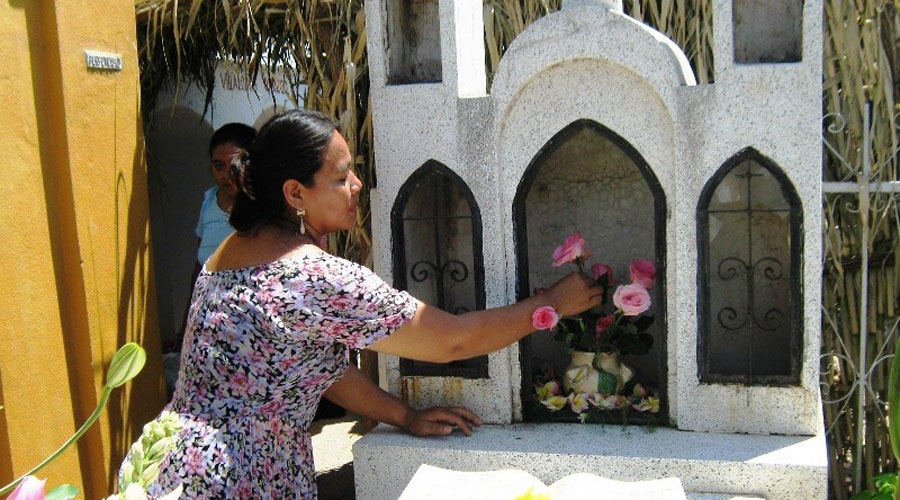 Juchitán le canta y llora a sus muertos este Domingo de Ramos | El Imparcial de Oaxaca