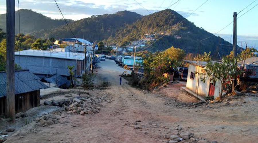 Caminos pavimentados,  exigencia de Santa  Cruz Itundujia | El Imparcial de Oaxaca