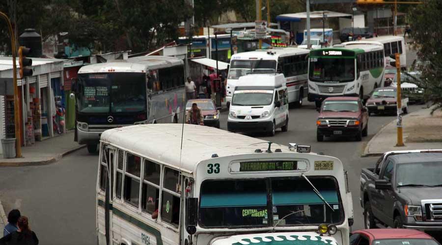 Pulpo camionero, intocable; Semovi solapa que circulen unidades chatarra | El Imparcial de Oaxaca