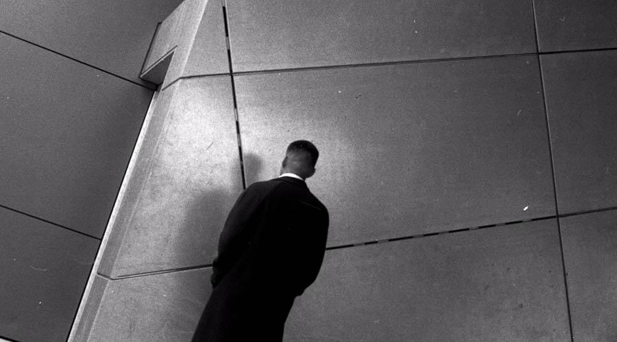 Emmanuel Famiano recrea  una reflexión estética