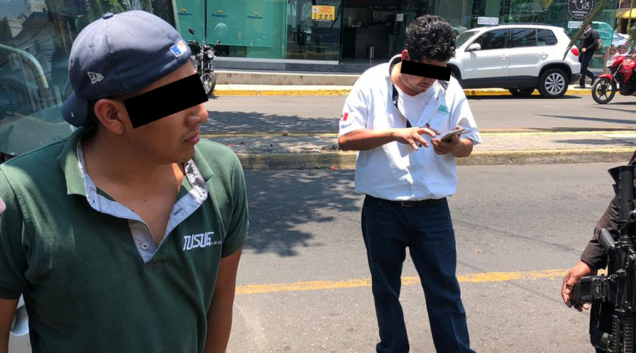 Se pelean urbaneros en la colonia Reforma, Oaxaca | El Imparcial de Oaxaca