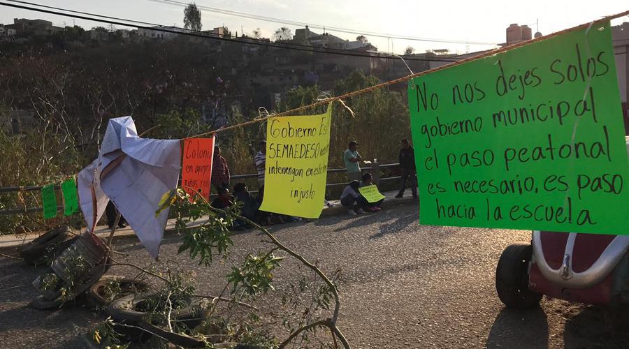 Vecinos de la colonia  Aurora protestan  contra particulares   El Imparcial de Oaxaca