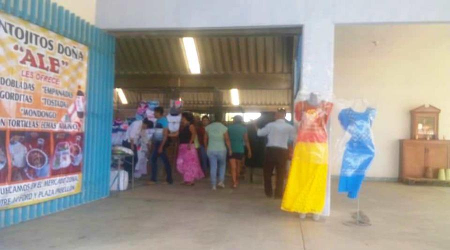 Vuelven comerciantes del Istmo al mercado zonal Manuel J. Clouthier