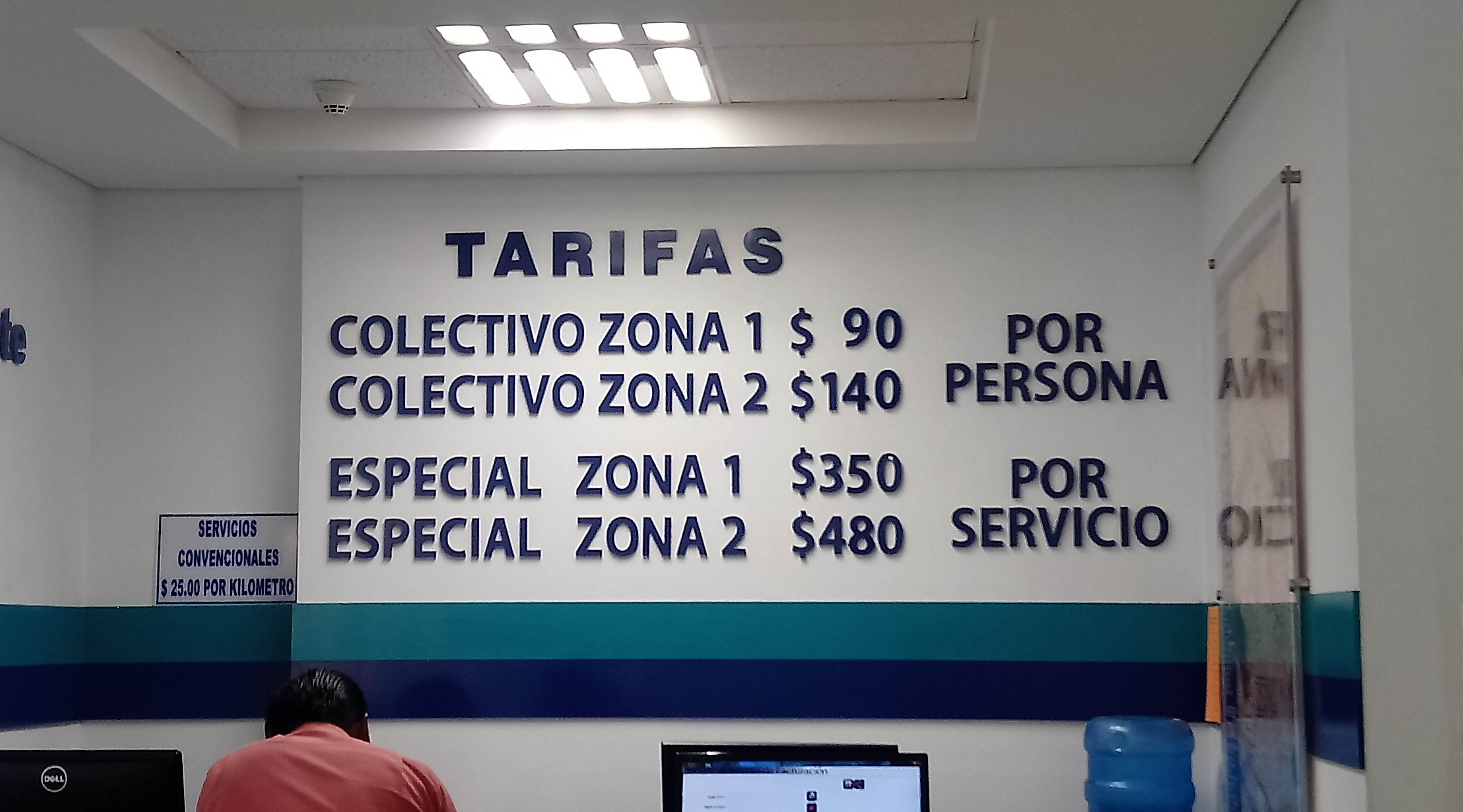 Está monopolizado el servicio de taxis en el aeropuerto de Oaxaca | El Imparcial de Oaxaca