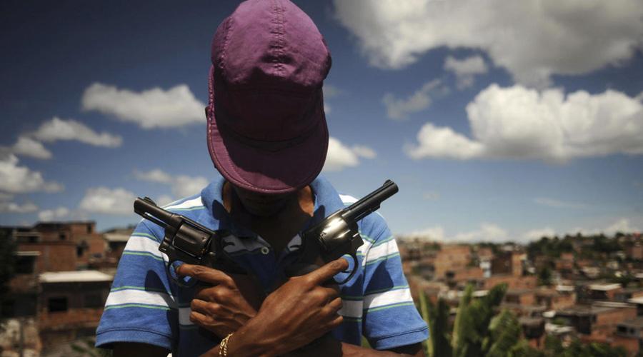 Video: Infantes armados en Colombia; niño mata a dos hombres | El Imparcial de Oaxaca