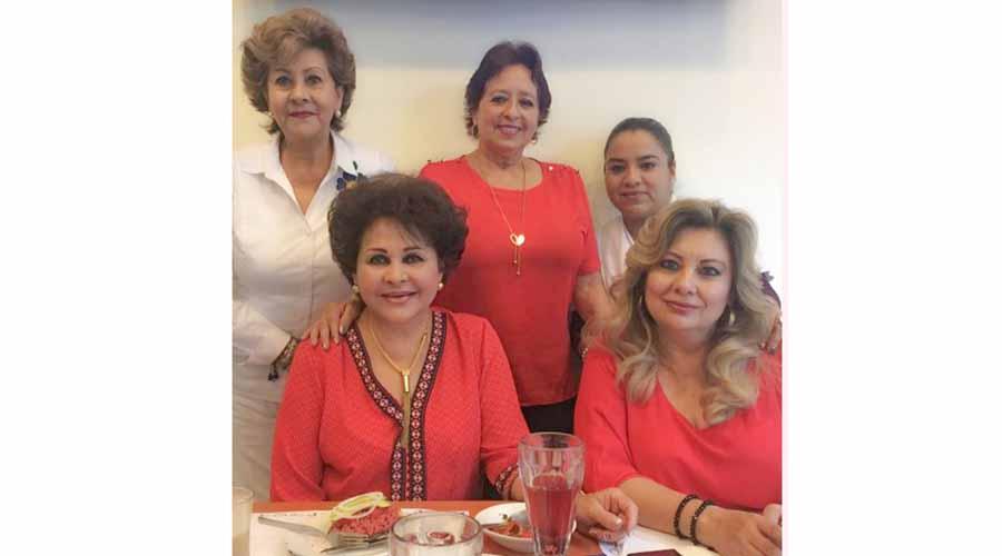 Festejan a Luz María