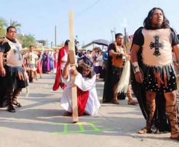 Representan en San Juanito la pasión y muerte de Jesucristo
