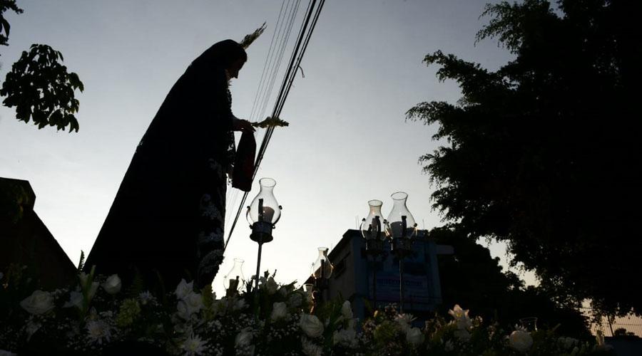 """Celebran oaxaqueños la """"Procesión del Silencio"""""""