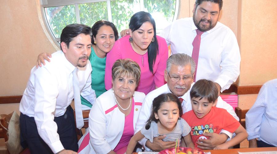 Don Carlos  cumplió años