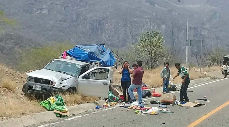 Casi vuelca camioneta en la carretera 190 Oaxaca-Istmo | El Imparcial de Oaxaca