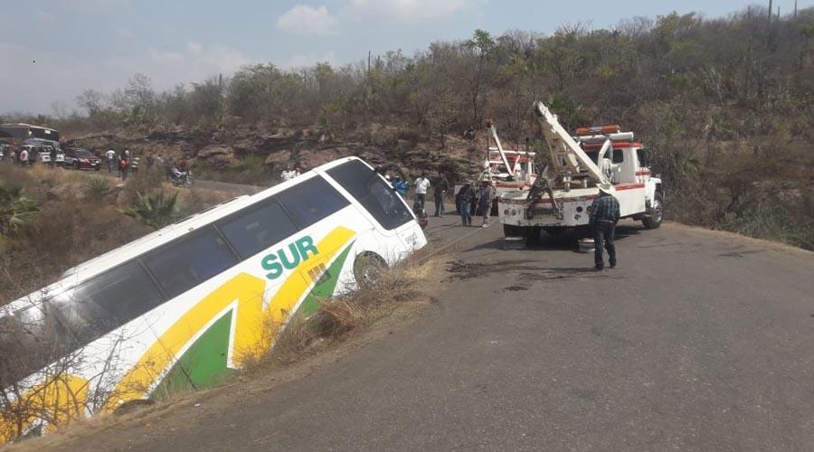 Accidente de autobús deja nueve lesionados | El Imparcial de Oaxaca