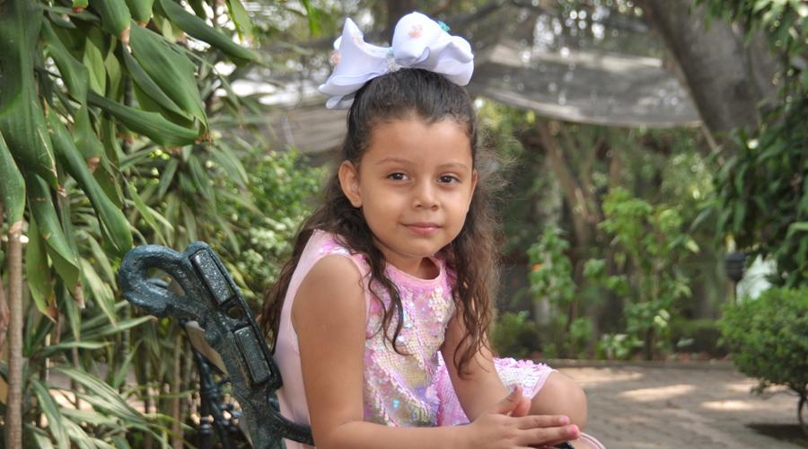 Mía Geraldine  cumple cinco años