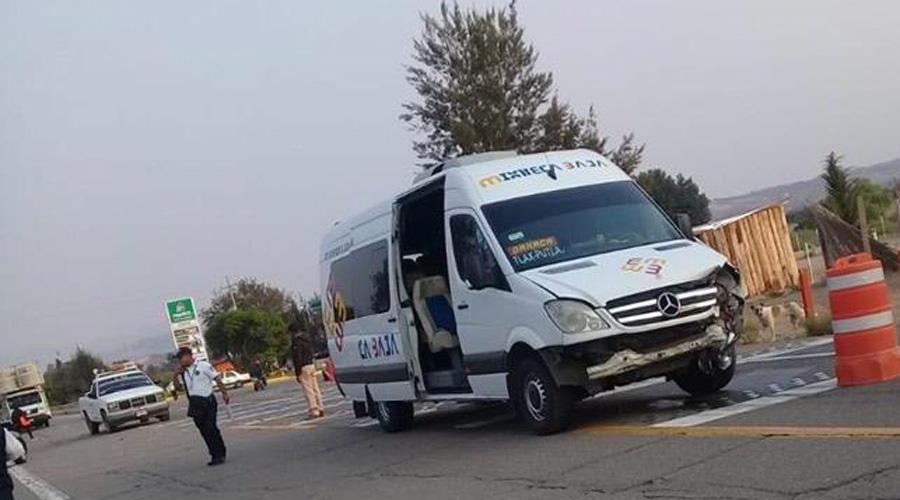 Choca urban de pasajeros en Asunción Nochixtlán | El Imparcial de Oaxaca