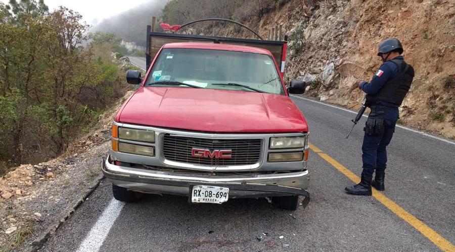 Se registra choque entre moto y camioneta, en la Sierra Sur | El Imparcial de Oaxaca