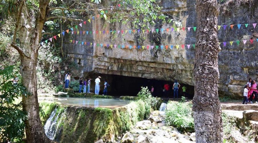 ¡Qué vivan las tradiciones de San Pedro Molinos!