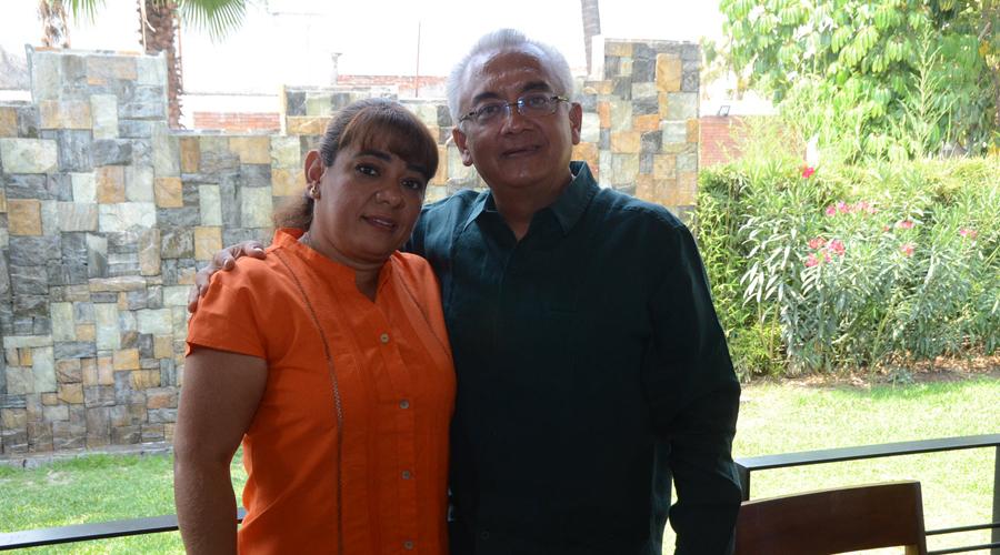 Jeanette y Dorian celebran  24 años de jurarse amor | El Imparcial de Oaxaca