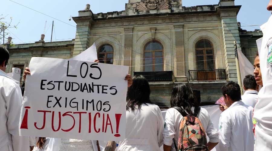 Rechazan recorte a becas en área médica a Oaxaca | El Imparcial de Oaxaca