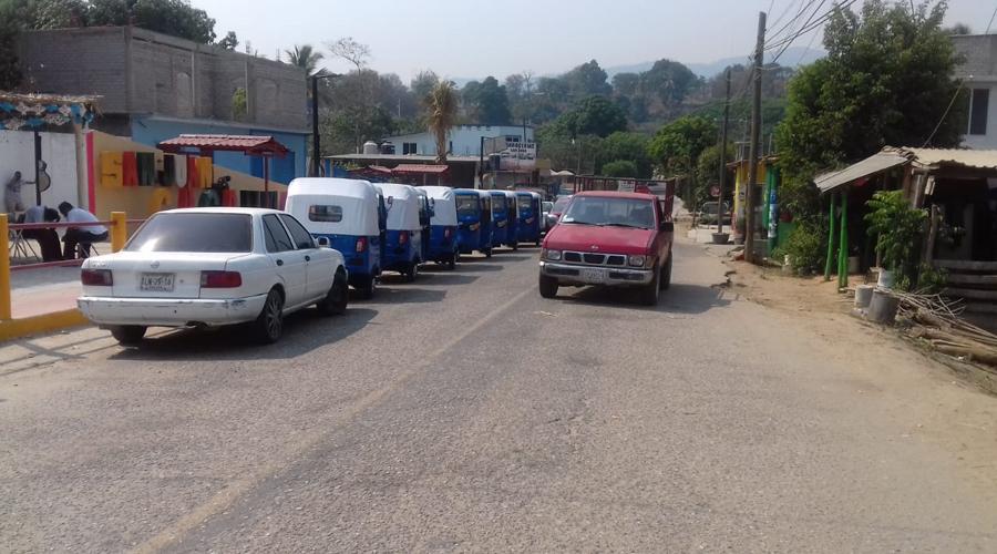Bloquean la carretera federal 125 Pinotepa-Tlaxiaco