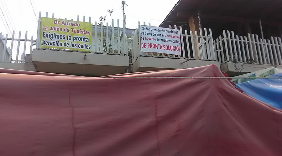 Comerciantes piden  liberar las calles de Matías Romero, Oaxaca