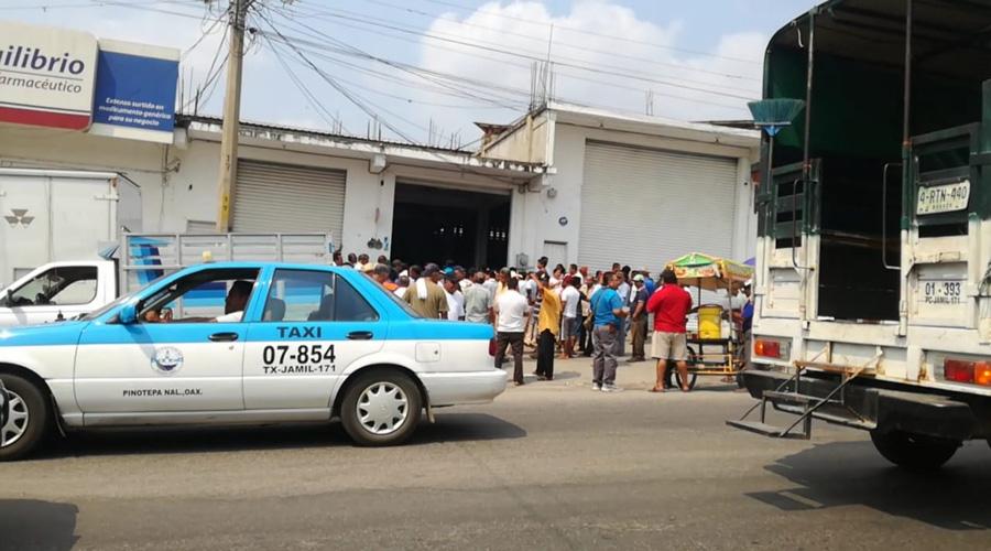Continúa el conflicto por  mototaxis en Pinotepa Nacional