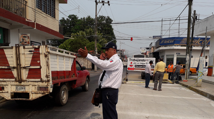 Reparan losas en calles de Tuxtepec | El Imparcial de Oaxaca