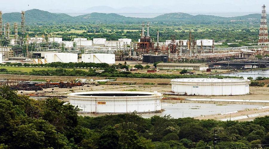 Descartan falla eléctrica en refinería Antonio Dovalí Jaime