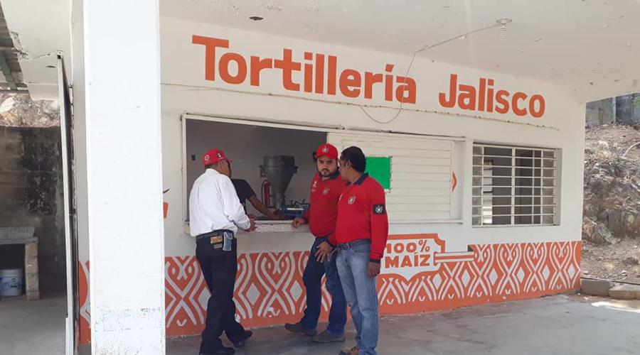 En el Istmo, verifican todas las tortillerías que están cerca de escuelas