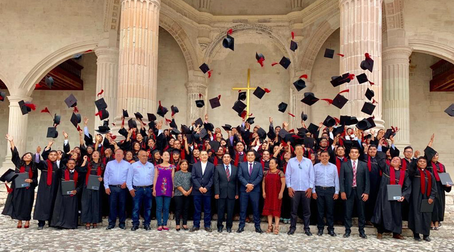 ¡Se gradúan alumnos del ITSTE!