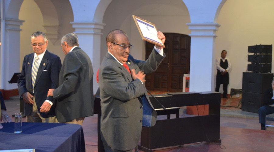 Exalumnos del Instituto Autónomo de Ciencias y Artes conmemoran el Día del Estudiante