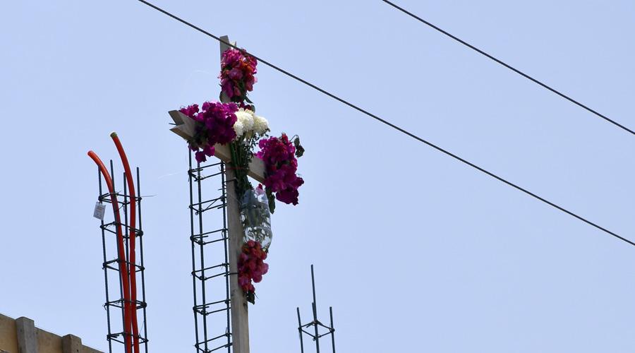 Albañiles y arquitectos celebran el Día de la Santa Cruz | El Imparcial de Oaxaca