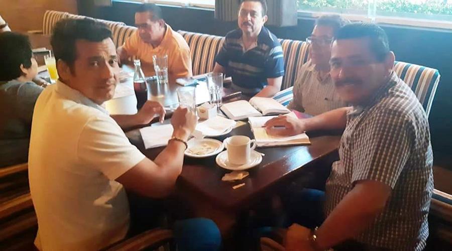 Signan acuerdo para levantar paro, Ayuntamiento y Sindicato en Salina Cruz   El Imparcial de Oaxaca