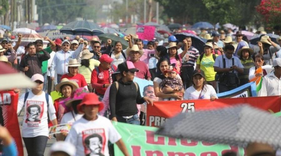 Marcharán profesores  mixtecos en Huajuapan de León, Oaxaca | El Imparcial de Oaxaca