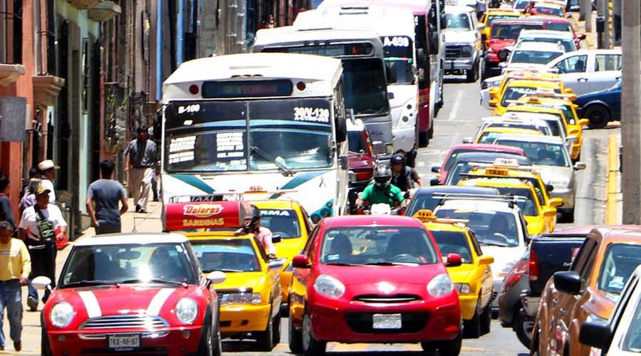 Transportistas burlan veda de concesiones en Oaxaca | El Imparcial de Oaxaca
