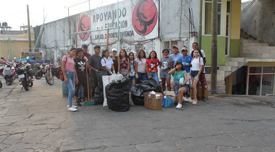 Participan jóvenes de la Costa en la iniciativa Green Life