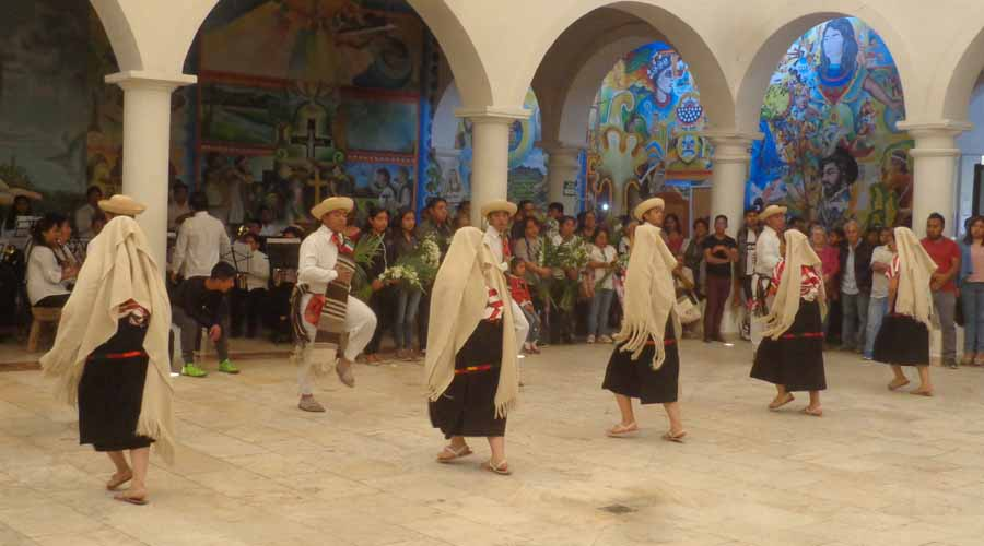 Preservan en Tlaxiaco, las tradición  con sones y jarabes