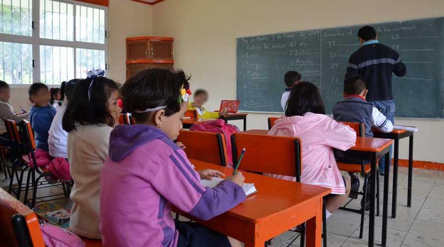 Han recibido becas 3 mil niñas y jóvenes para culminar la primaria o secundaria   El Imparcial de Oaxaca