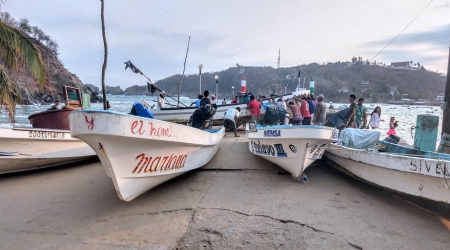 Reportan Mar de Fondo en Puerto Ángel