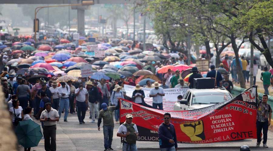 Sección 22 realizó marchas y toma de tiendas en Oaxaca
