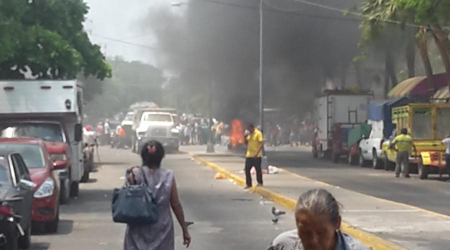 Tras el caos, autoridades de Salina Cruz y sindicato buscan mesa de diálogo