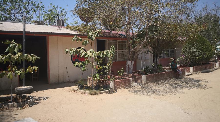 Tras memorándum trabajadores del Conafe en la Costa son despedidos | El Imparcial de Oaxaca