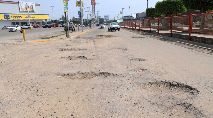 Baches en Oaxaca capital, una trampa  mortal