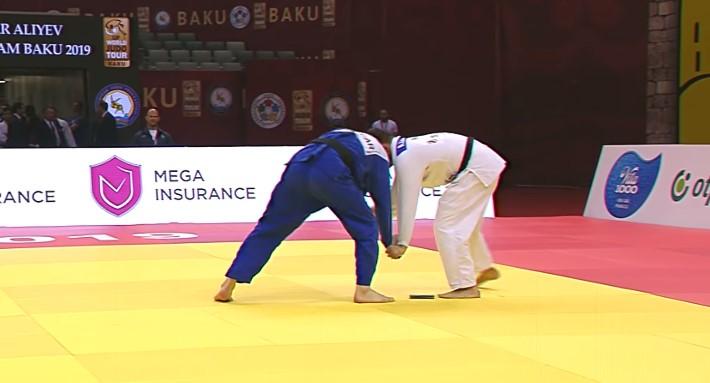 Video: Judoca es descalificado tras caérsele celular en plena pelea | El Imparcial de Oaxaca