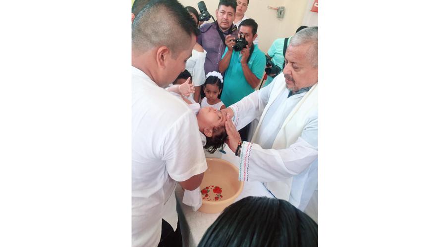 Quetzaly es bautizada