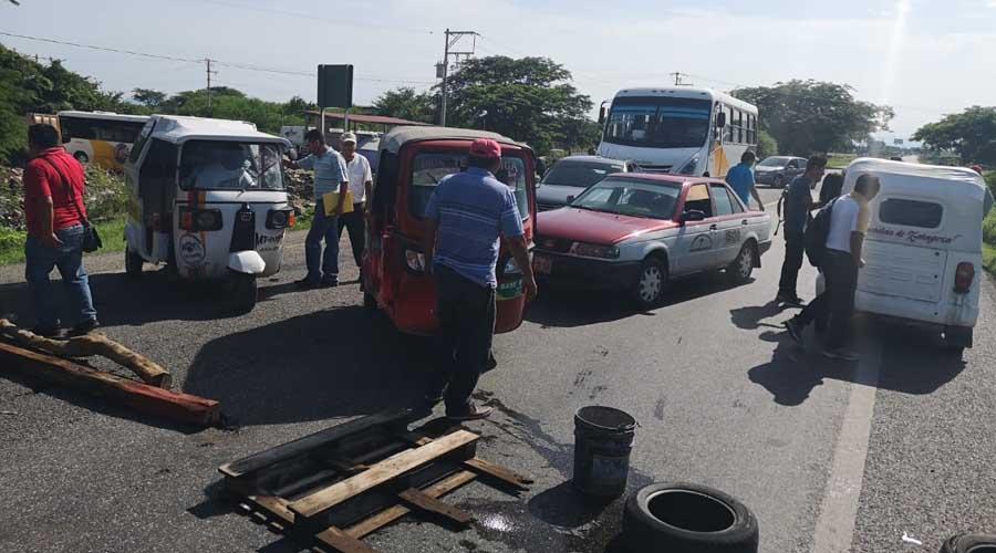 Preocupan a transportistas constantes bloqueos carreteros en el Istmo | El Imparcial de Oaxaca