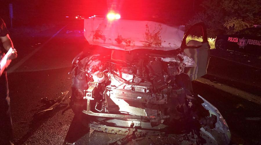Causa aparatoso  accidente y huye en Juchitán