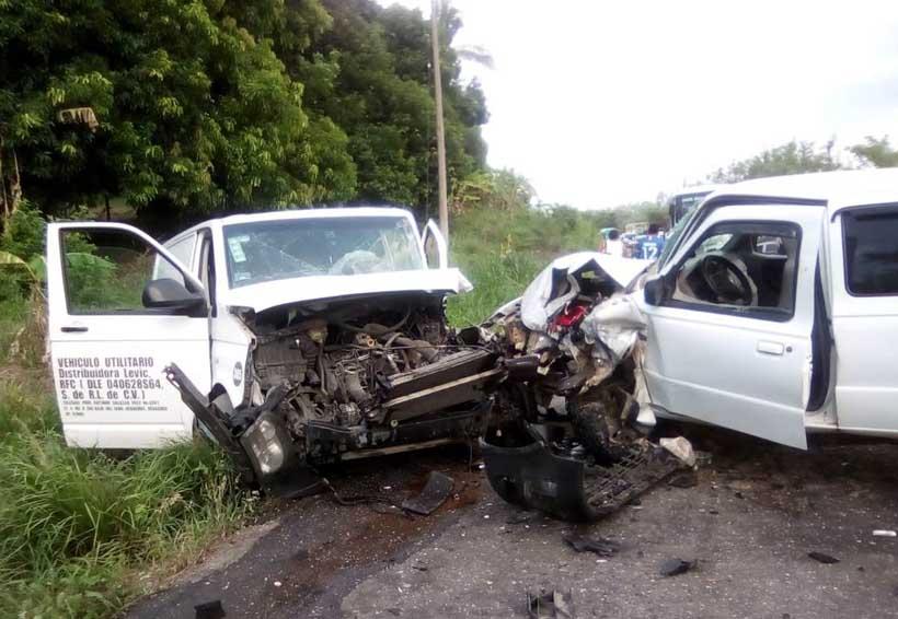 Accidente sobre carretera a Tuxtepec-Palomares   El Imparcial de Oaxaca