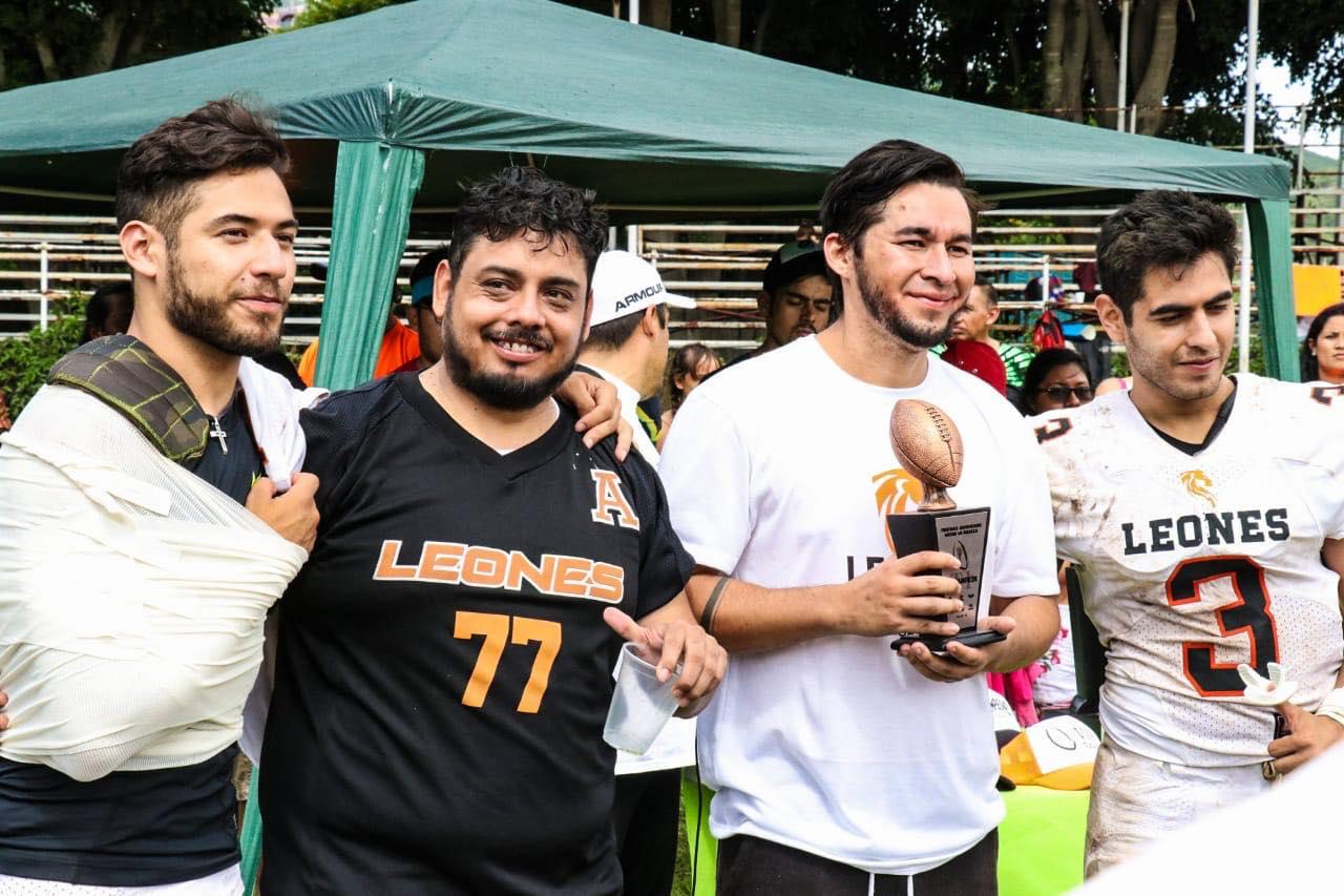 Felinos domaron a los Leones en el torneo Arenabowl